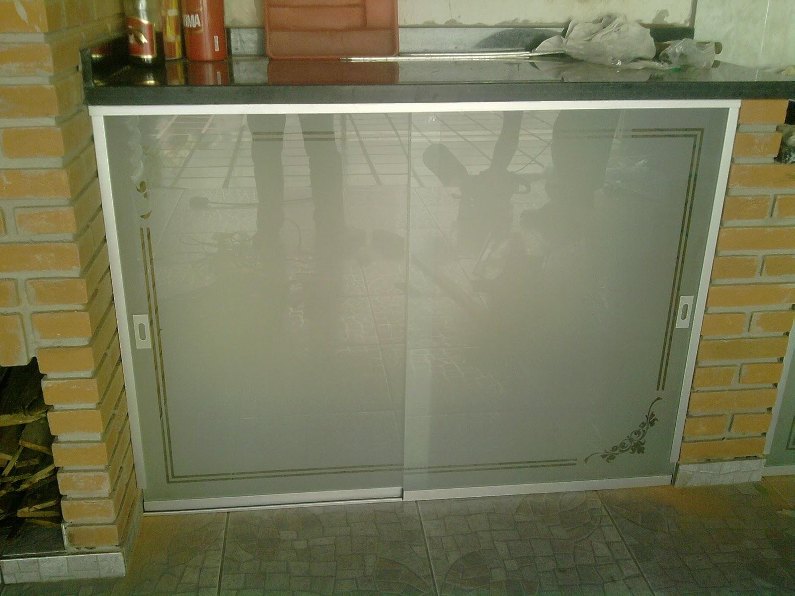#674823 VIDROS JATEADOS e TEMPERADOS: Pia com vidro temperado e jateado 1588 Vidros Jateados Para Janelas