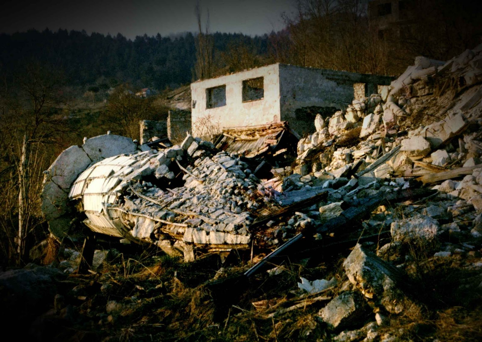 an examination of the united states involvement in the kosovo conflict A main reason for us involvement in kosovo was a fear f a conflict in kosovo world about the events that occurred in kosovo united.