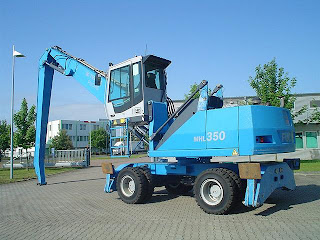 EXCAVATOR Manipulare Materiale Industrial Fuchs MHL 350 33tone 16m second hand din 2006 135.000 Euro