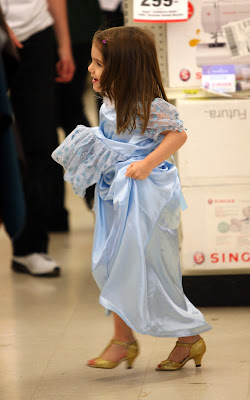Suri Cruise looking so cute