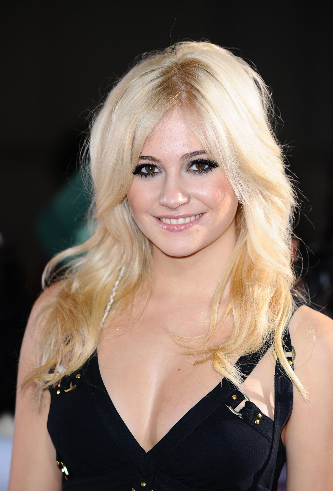 http://4.bp.blogspot.com/_JUw2aRvPUwc/SwEa86FV6fI/AAAAAAAALXc/60aEnSdT20A/s1600/Pixie_Lott_Home_www_pixielott_com_The_official_website_for_Pixie_Lott_Listen_to_the_latest.jpg