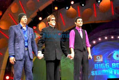 Vindu Dara Singh, Amitabh Bachchan, Pravesh Rana