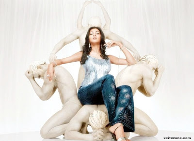 sushmita sen is look so nice in levi's devi jeans