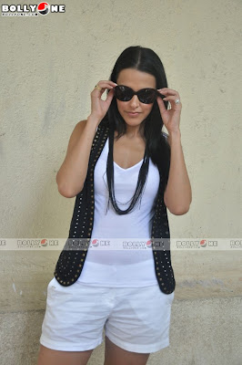Neha Dhupia is bollywood actress