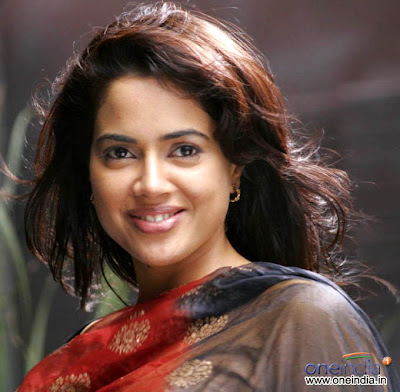 Sameera Reddy  is looking glorious
