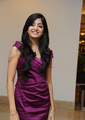 Poonam Kaur is looking so beautiful