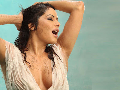 Poonam Jhawer is in white dress