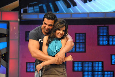 John Abraham Kisses Sugandha Mishra Photos