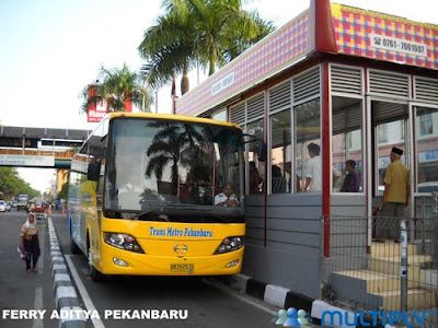 Halte Bus Trans Metro SAUM Pekanbaru