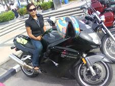Isteri Ku bersama motosikal kesayangannya