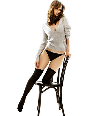 Amanda Peet Was Born In New York City To Penny (Social Worker), And