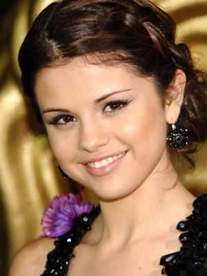 selena gomez images short hair. selena gomez red carpet hair