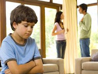 Kalau Harus Bertengkar di Depan Anak