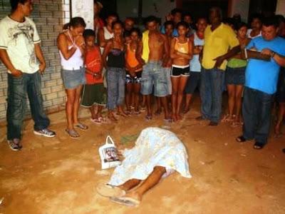 http://4.bp.blogspot.com/_JXK6VhdeQFM/SQsv84F3vlI/AAAAAAAADcg/tsnvhW1IayU/s400/Jovem+executado+por+divida+de+drogas.jpg