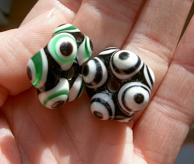 Funny and strange multiple eye beads