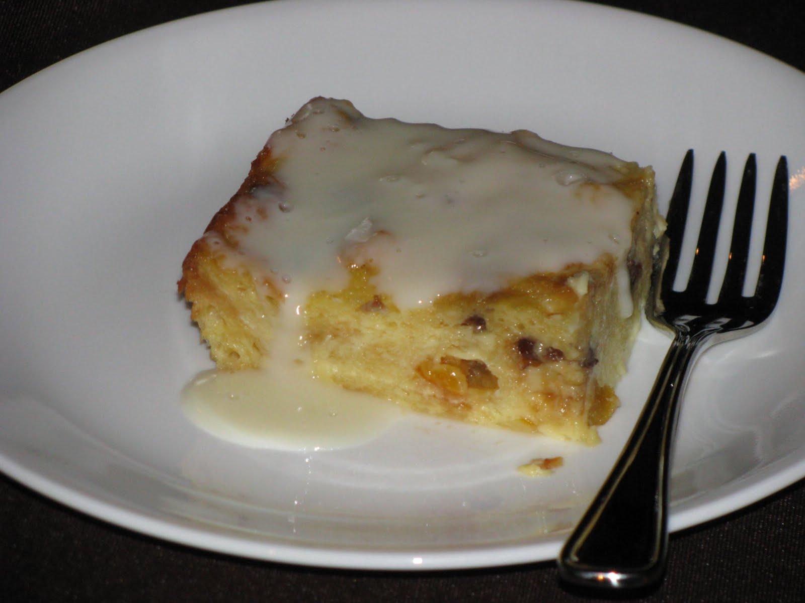 ... las Cucinas de Italia: Panettone Bread Pudding with Amaretto Sauce