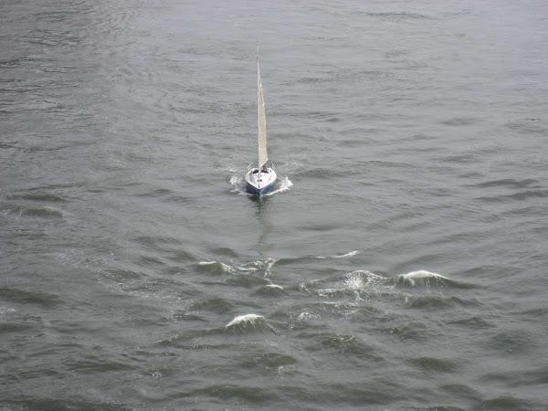 Sailing into Riptide - From the Queensboro Bridge.