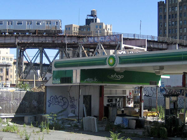 Derelict Station - South of Queens Plaza.