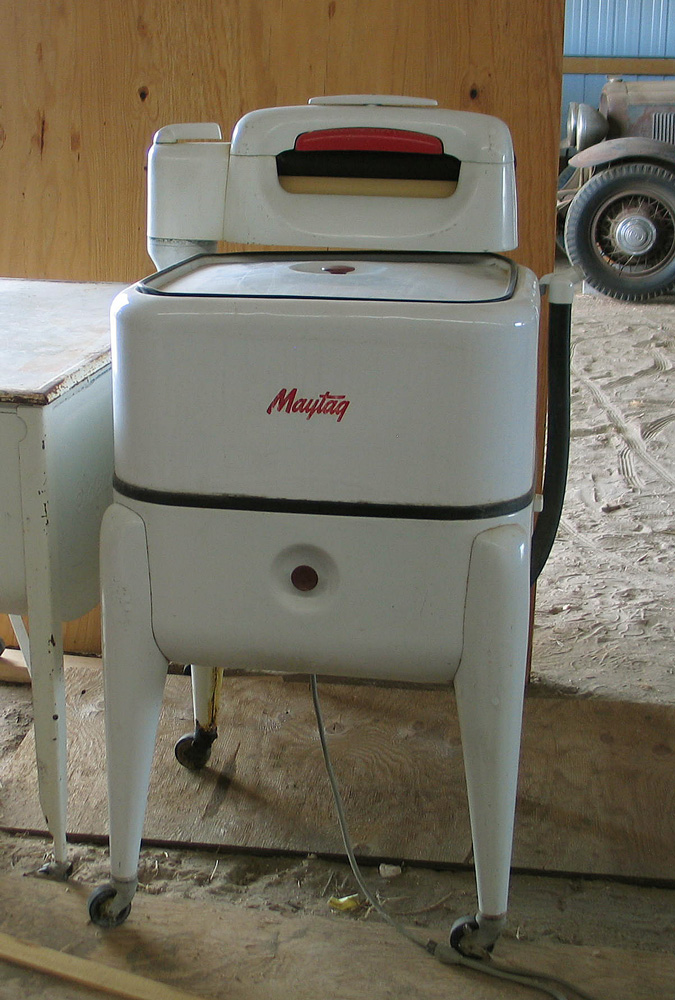 Maytag Washer Machine ~ Wild rose vintage old maytag ringer washers