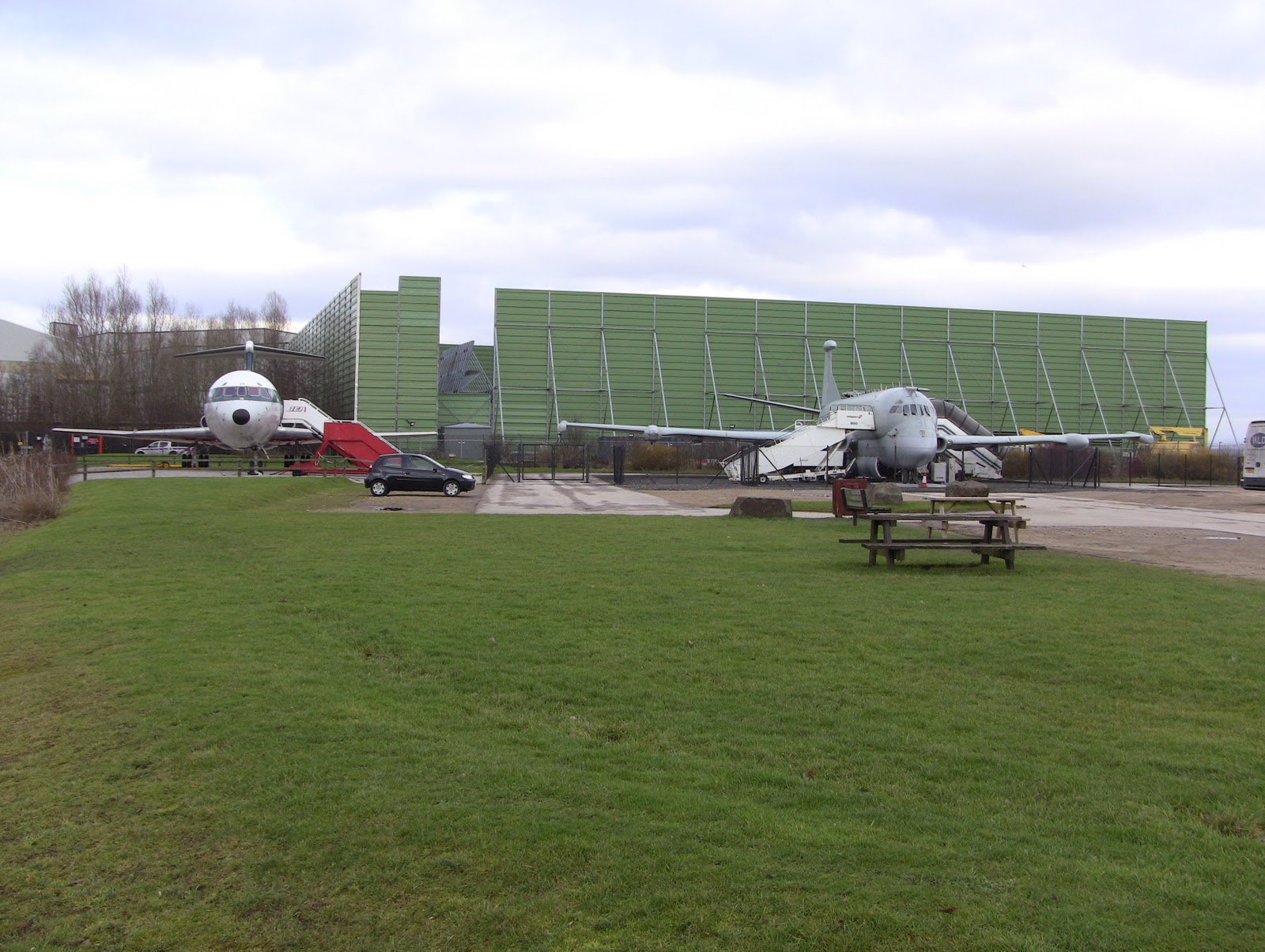 Moss Travel Photography Manchester Airport Runway Visitor Park
