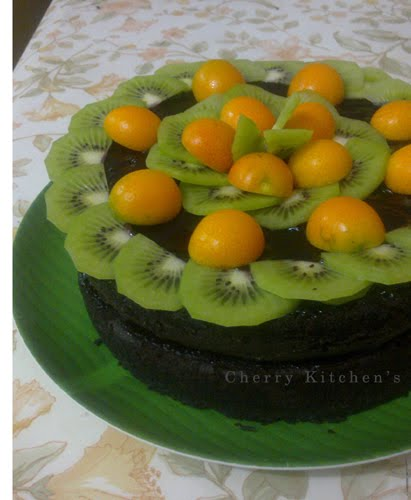 Brownies Kukus With Kiwi and Kumquat Orange