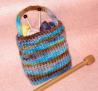 Knitted Bag Patterns For Beginners : golden bird knits: Miniature Knitting Bag pattern