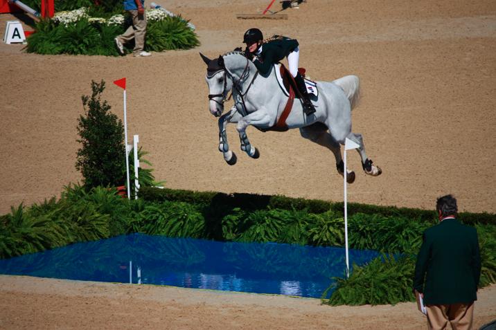 horse jumping racing games