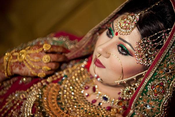 Mehndi Dulhan Makeup : A dulhan s dream wedding makeup