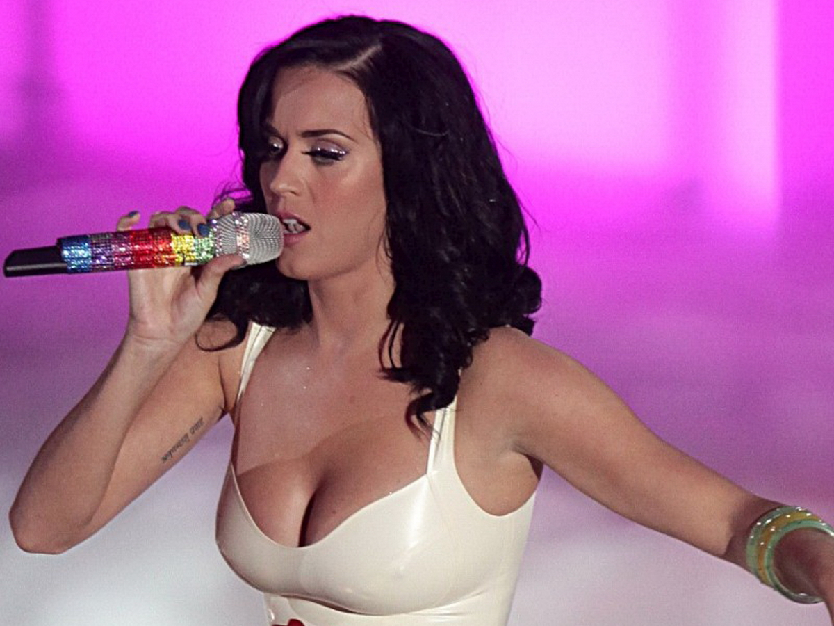 How big are katy perry tits