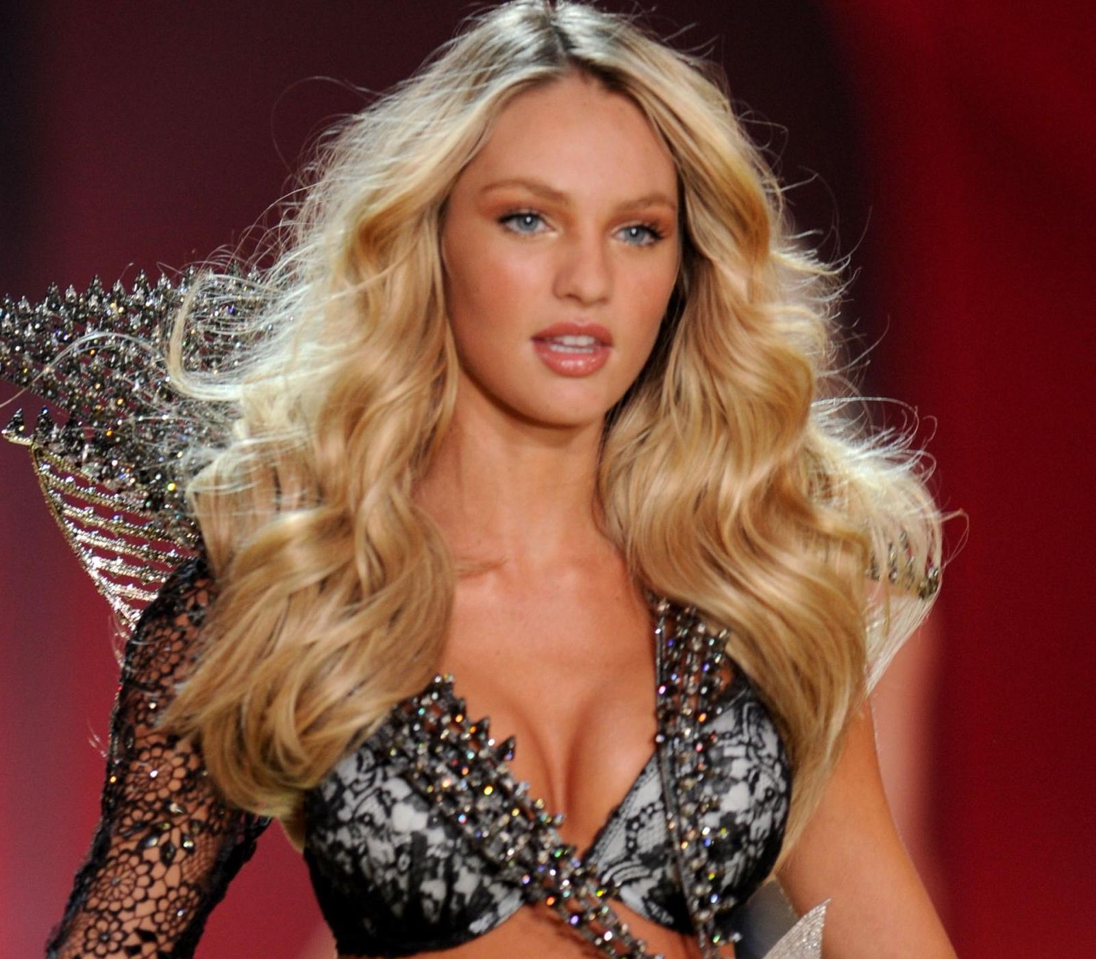 http://4.bp.blogspot.com/_Jgc-vQ1t70k/TOTw-blO3TI/AAAAAAAAAM0/RDX1qcTkyIE/s1600/Candice_Swanepoel_sexy_hot_lingerie_Victoria%2527s_Secret+Fashion_Show_1.jpg