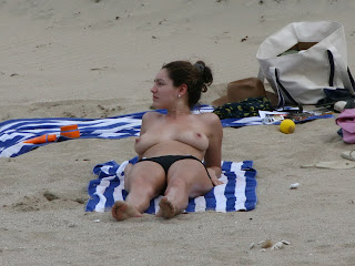 Kelly Brook nude topless on beach nice natural big tits