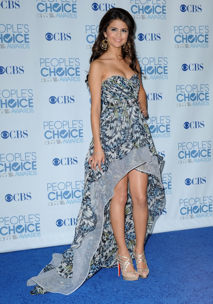 selena gomez pictures 2011. selena gomez dress 2011.