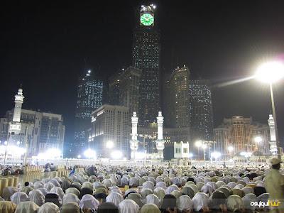 http://4.bp.blogspot.com/_JiP3Gj6JpGE/THiJt8WOfRI/AAAAAAAAAnc/pVbkwXYIOtA/s1600/Tarawih-Ramadhan+(3).jpg