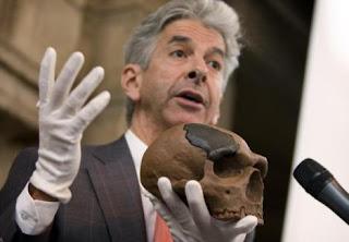 Plasterk presenteert zijn vermeende voorouder