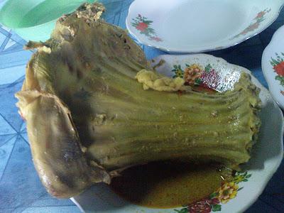 Tengleng di Gombong, plus nasi dan minuman jeruk hangat seharga Rp. 27 ...