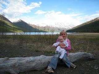 Gwenna and Xianli at Eklutna Lake