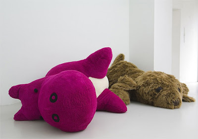 Crazy Giant Toys and Awesome Stuffed Animals Seen On www.coolpicturegallery.net