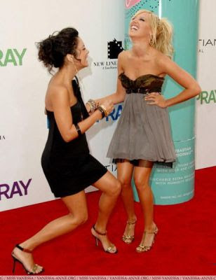 Ashley Tisdale och Vanessa Hudgens