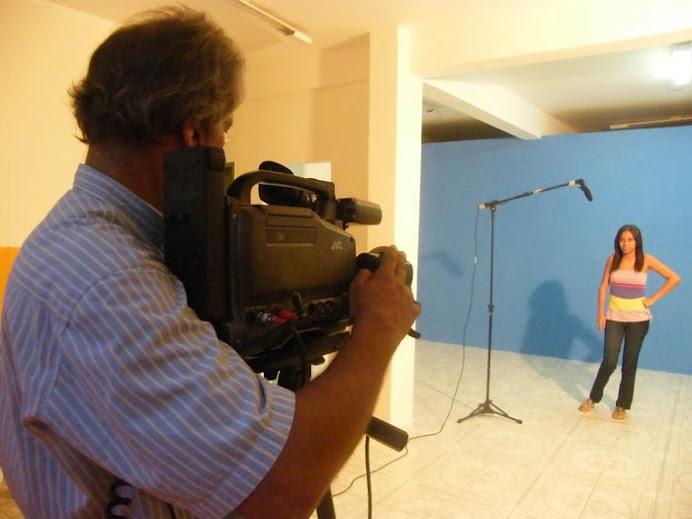 Veloso gravando teste na CAP EScola de TV e Cinema em Salvador