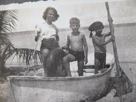 1945 - Angola, com os irmãos