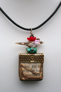 Book Pendant – MOP Bird on Eggs
