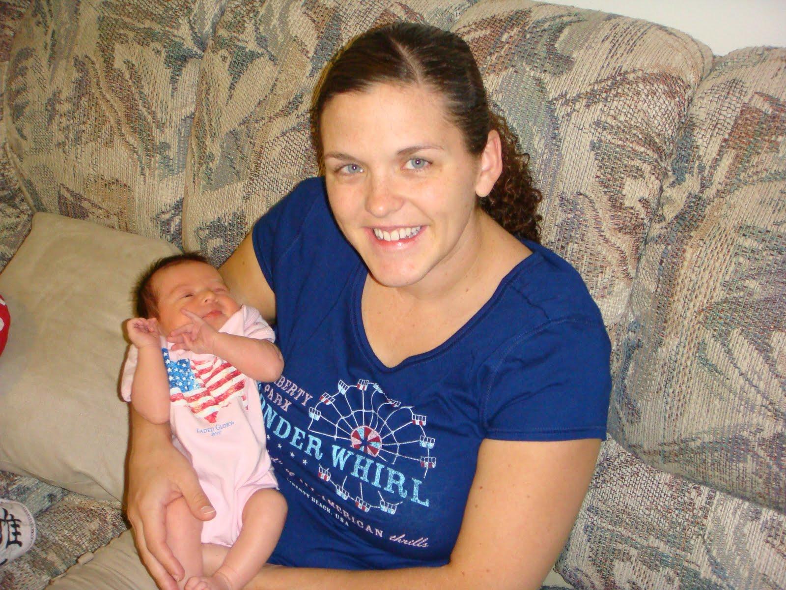 http://4.bp.blogspot.com/_JxJKx2pdIgg/TFNAR0jXGnI/AAAAAAAACIg/3XFCdrccINI/s1600/Baby+Emily,+July+18,+2010+062.jpg