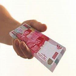 http://4.bp.blogspot.com/_Jx_0_RFvjGI/SeAoWDjpcyI/AAAAAAAAAFc/Ac_X70xoIpA/s320/kasih+uang.jpg