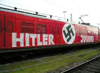 subway graffiti,hitler art graffiti