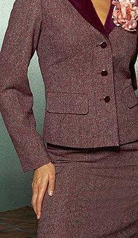 Делова мода - костюм сако с пола