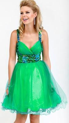 Ефирна рокля с презрамки