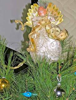 angel on christmas tree