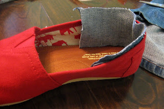 What to do when your TOMS are too big : Lindsay Eryn