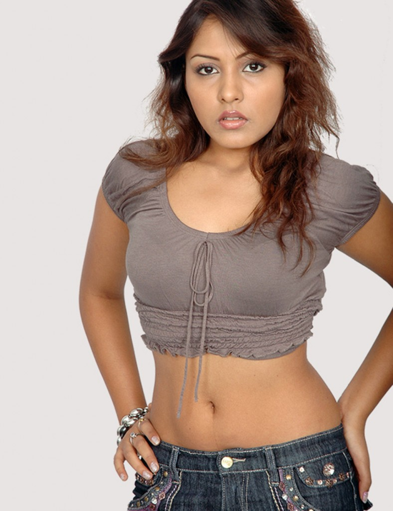 Madhu Shalini Nude Photos Ele gemini music anchor madhu shalini sizzling huge cleavage semi nude