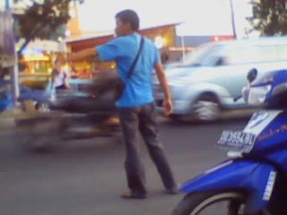 http://4.bp.blogspot.com/_K1Rv0SHac8E/SuR03ceE0JI/AAAAAAAAABE/F6gHPp-pasU/s320/Pak+Ogah.jpg